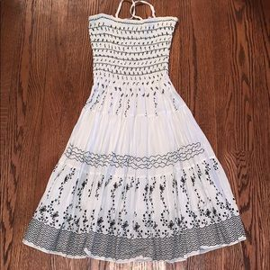 Dresses & Skirts - White and black sundress
